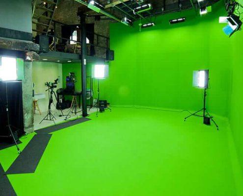 ساخت استودیو کروماکی